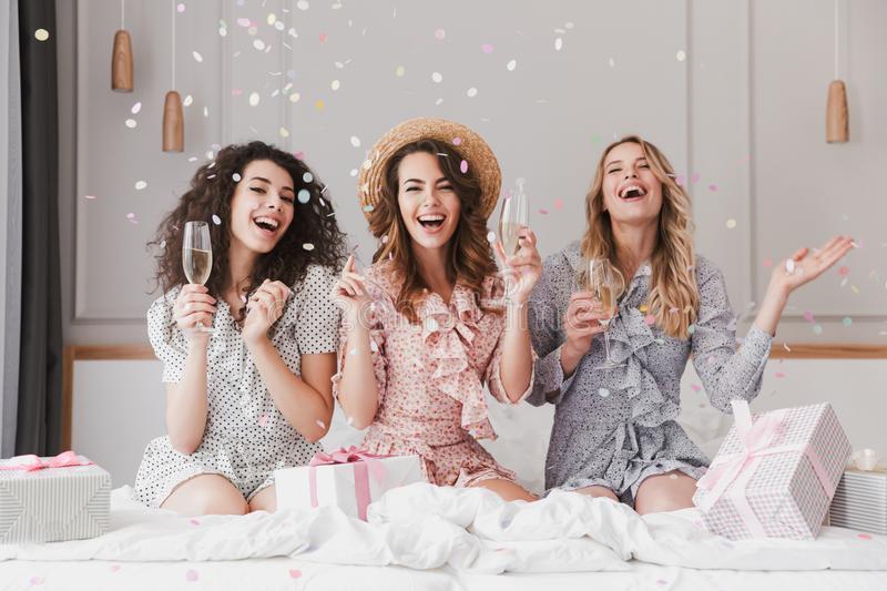 virtual-bridal-shower-champagne