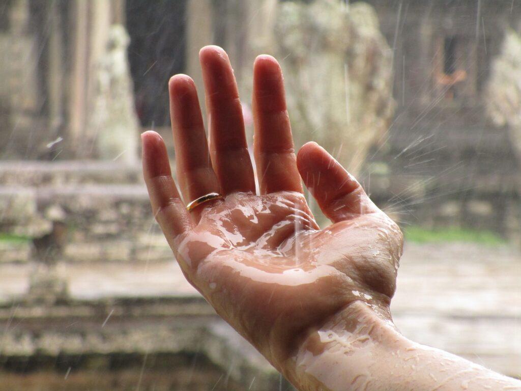 hand, rain, zen-1819357.jpg